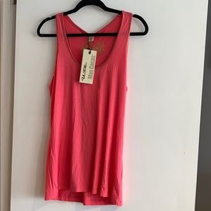 NWT Coral tank top w/ gold detail on the edges